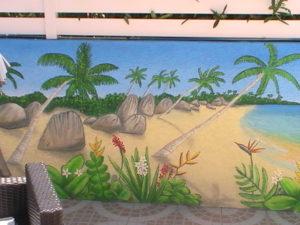 trompe l'oeil mur de piscine extérieure